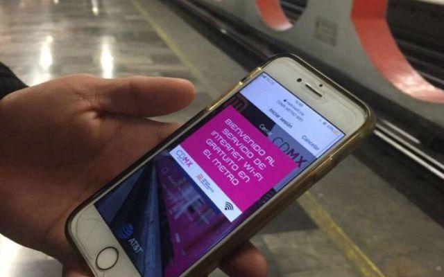 ¿Qué pasa con tus datos personales al navegar en la red WiFi del Metro? - Foto de internet