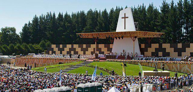 Papa pronuncia mensaje de inclusión a indígenas en zona de conflicto al sur de Chile