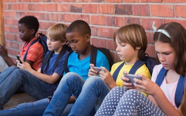 Si los Reyes trajeron un smartphone, tome sus precauciones - Foto de Internet