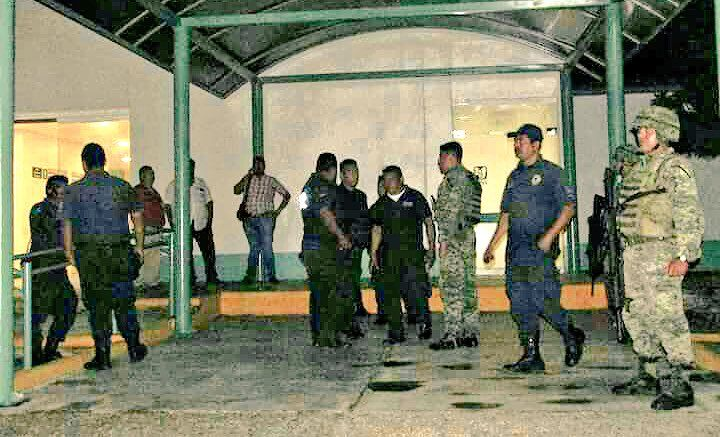 Muere policía durante balacera en Oaxaca - Foto de @FotosNoticias