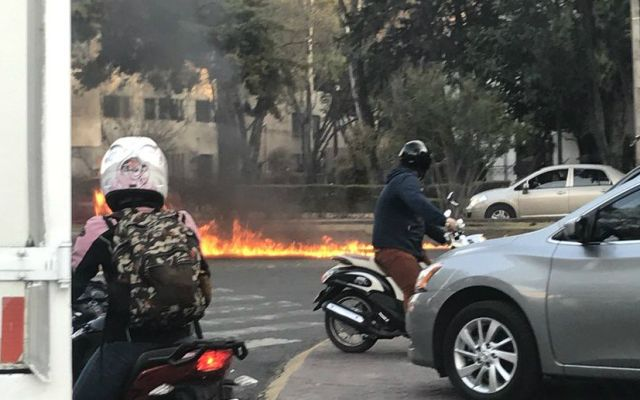 Embajada de EE.UU. se disculpa por accidente con camioneta - Foto de @jimena_dag