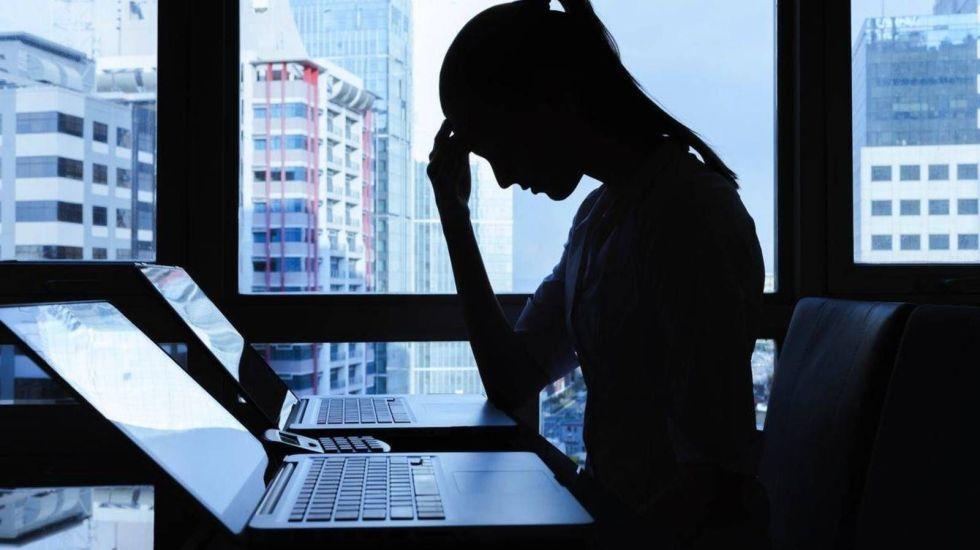Ciberacoso a mujeres afecta más a jóvenes entre 18 y 30 años - Foto de internet