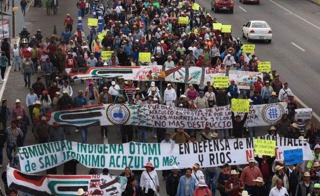 Comuneros se manifiestan contra Tren Interurbano en Los Pinos - Foto de Quadratín