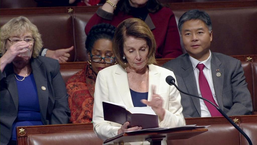 """Líder demócrata da discurso de ocho horas en favor de los """"dreamers"""" - Foto: Reuters."""