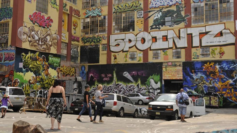 Indemnizan a grafiteros con 6.7 mdd tras derrumbar edificio con sus obras en NY - Foto de El País