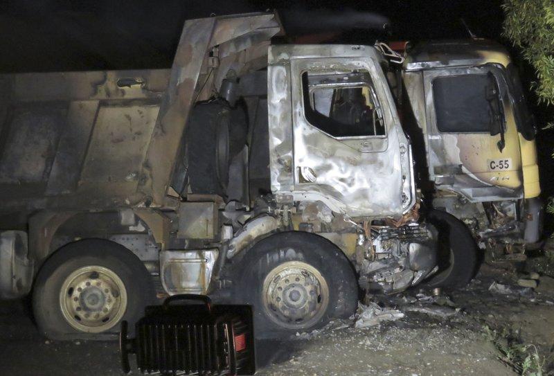 Incendian 25 camiones en Chile - Foto de AP