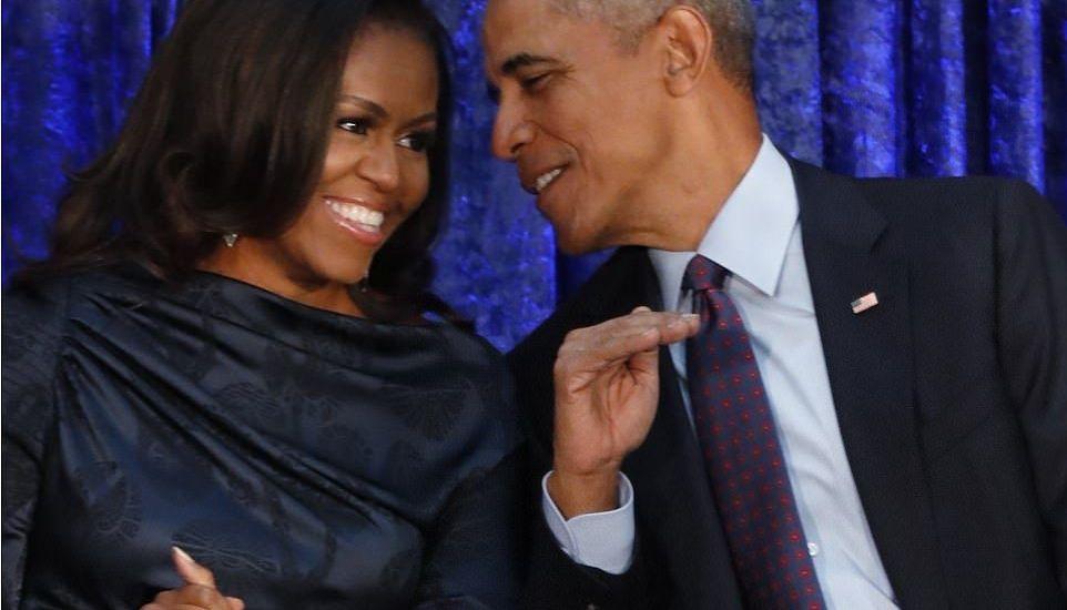 Barack y Michelle Obama develan sus retratos - Foto de Reuters
