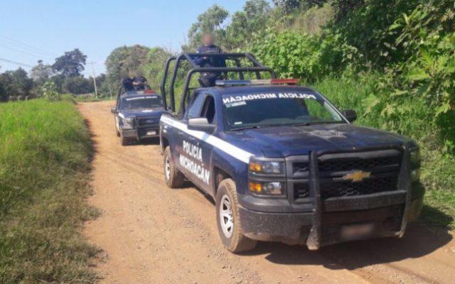 Secuestran a cuatro policías en Michoacán
