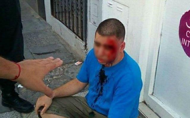 Hombre finge ser su hija de 11 años en WhatsApp para atrapar a acosador - Foto de Clarín