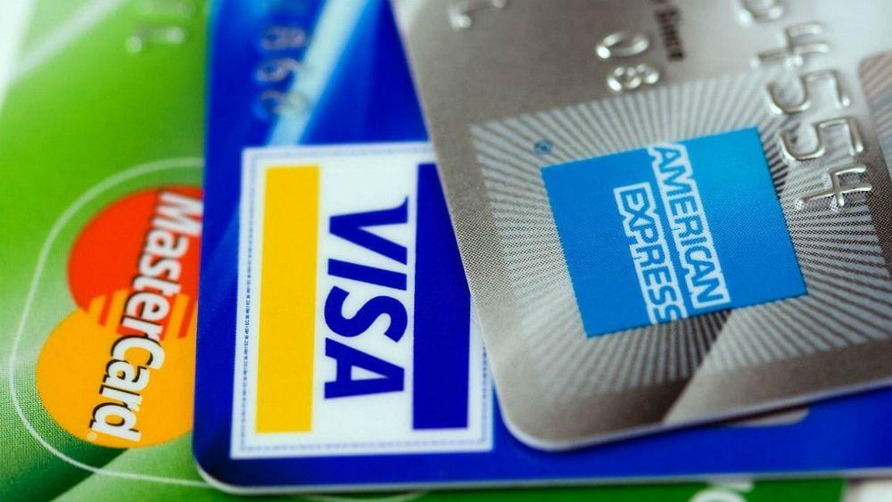 Pagar mínimo en tarjetas de crédito puede generar deudas interminables - Foto de archivo
