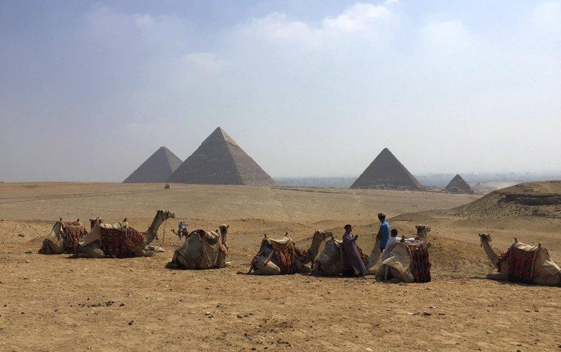 Hallan tumba de 4 mil 400 años en El Cairo - Foto de AP