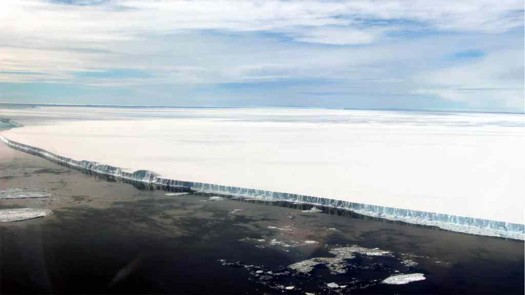 Altas temperaturas dejarían al Ártico sin hielo en 2035 - Hielo en el Ártico. Foto de Earth Observer Nasa