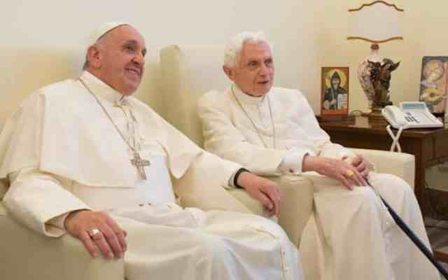 El Vaticano divulga carta de Benedicto XVI sobre el papa Francisco - Foto de Forum Libertas