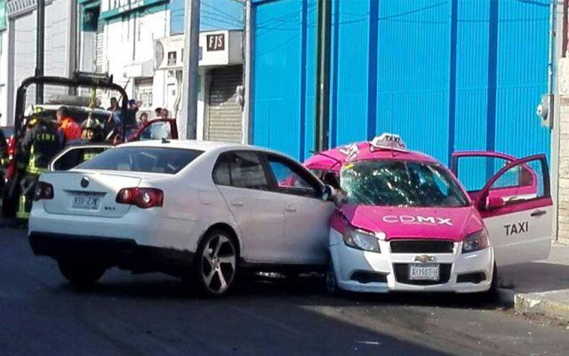 Choque deja tres muertos en Avenida Tláhuac - Foto de Excélsior