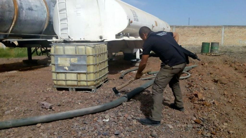 Aseguran casi 30 mil litros de combustible robado en Jalisco - Foto de Internet