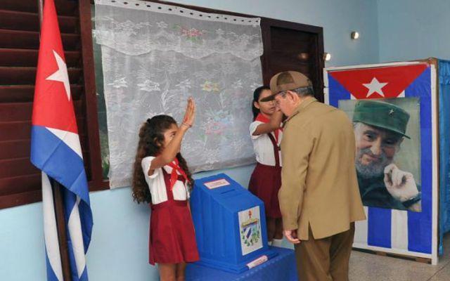 Cuba elige al Parlamento que nombrará al sucesor de Raúl Castro - Foto de Granma