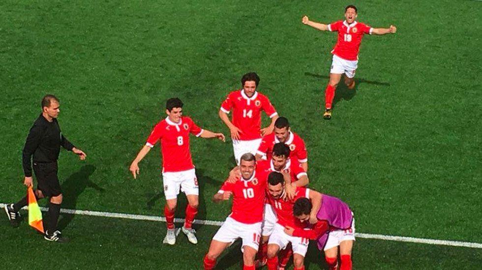 Gibraltar celebra su segunda victoria en la historia - Foto de Fox Sports