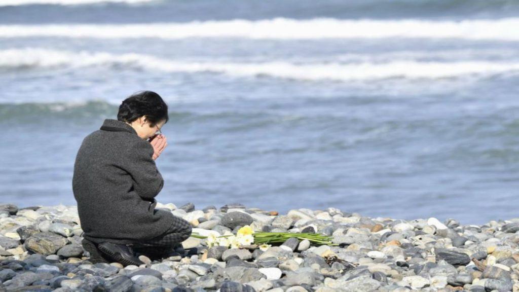 Japón conmemora sismo, tsunami y desastre en Fukushima - Foto de AP