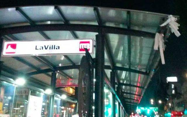 Choca Metrobús de dos pisos en La Villa - Foto de Excélsior