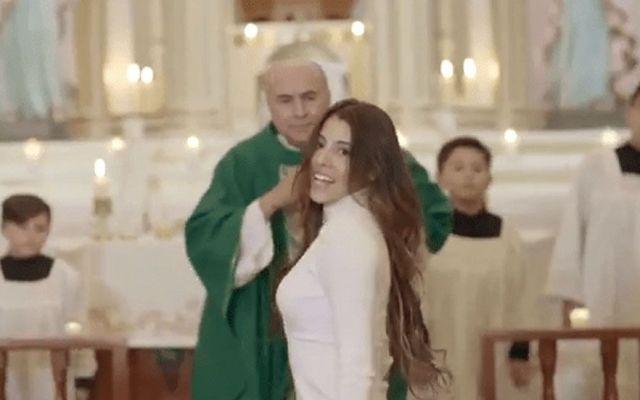 """No habrá sanciones a sacerdotes por video de la """"Niña Bien"""" - Foto de YouTube"""