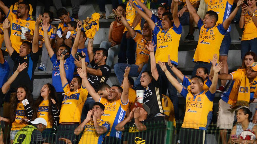 Prohíbe Veracruz ingreso al estadio a porra de Tigres - Foto: Mexsport.