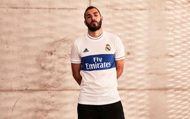 Lanza Real Madrid playera retro - Foto: Adidas.