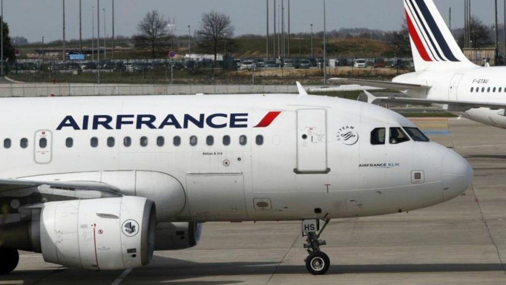 Air France cancela 30 por ciento de sus vuelos por huelga - Foto de AP