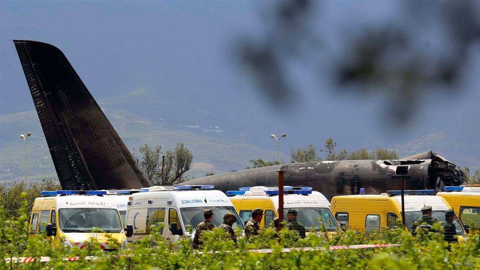 Accidente aéreo deja 257 soldados argelinos muertos - Foto de AJ