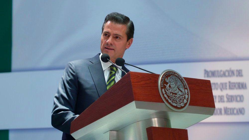 Peña Nieto viaja a Colombia para traspaso presidencial