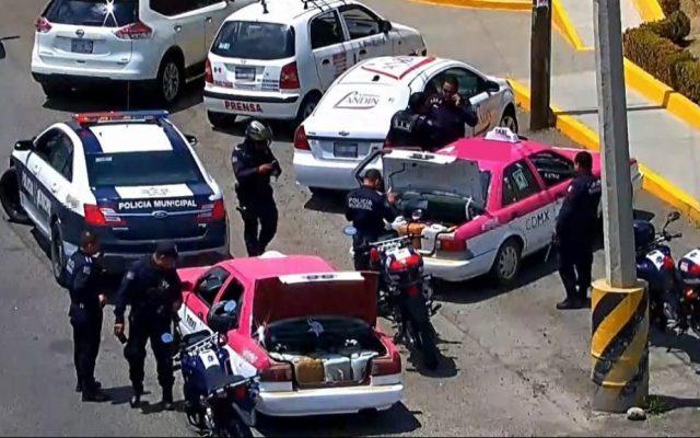 Detienen a 2 taxis de la CDMX en Hidalgo por transportar huachicol - Foto de internet