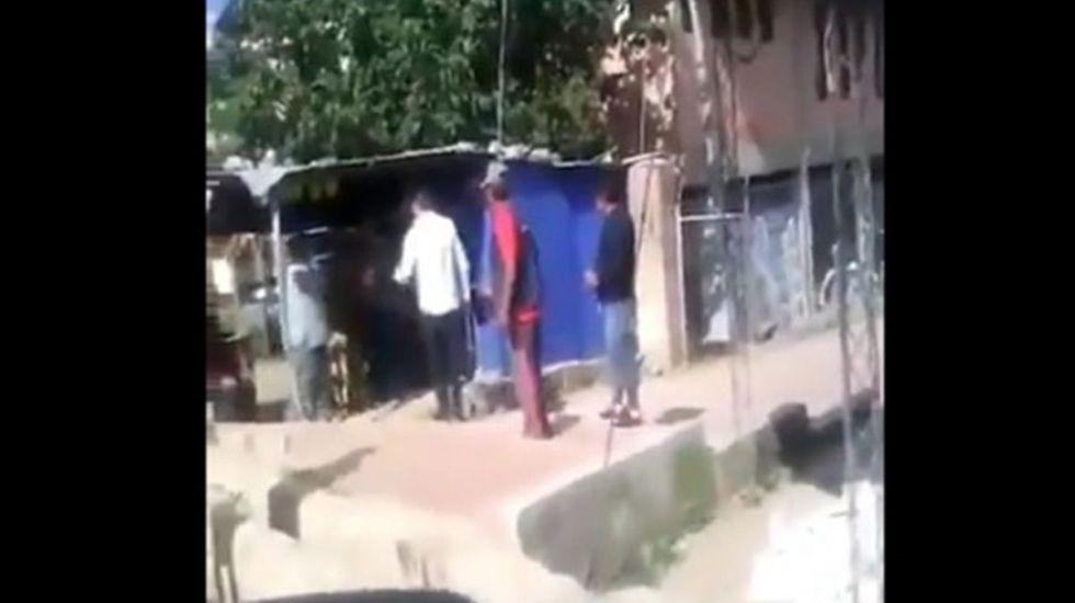 #Video Técnico de Bolivia se pelea con lavacoches - Captura de pantalla