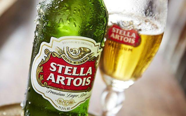 Advierten por fragmento de vidrio en botellas de Stella Artois - Foto de Internet
