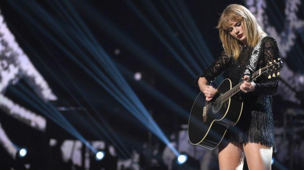 Hombre irrumpe en casa de Taylor Swift en Nueva York - Foto de Getty Images