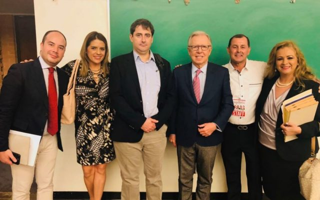 Realizan foro entre migrantes y representantes de candidatos