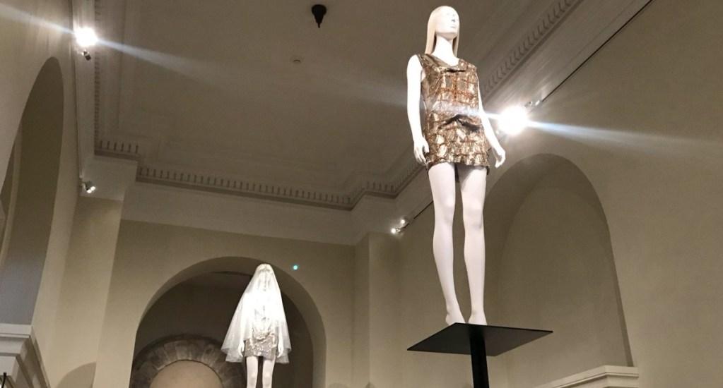 'Heavenly Bodies': la influencia del catolicismo en la moda - Foto de @metmuseum
