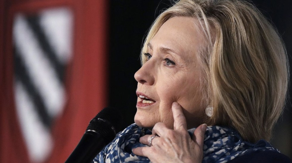 Hillary Clinton admite deseo de dirigir Facebook - Foto de Charles Krupa/Associated Press