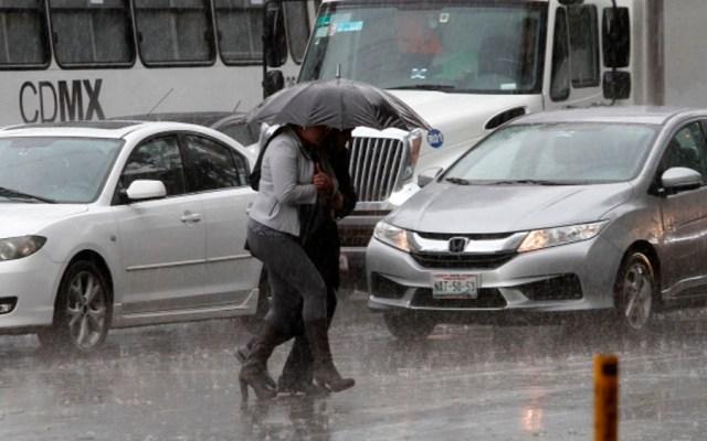 Lluvia fuerte y granizo en 12 delegaciones de la capital - Foto de Notimex