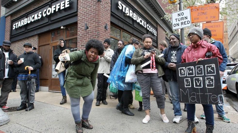 Starbucks capacitará a empleados para evitar la discriminación - Foto de TNS