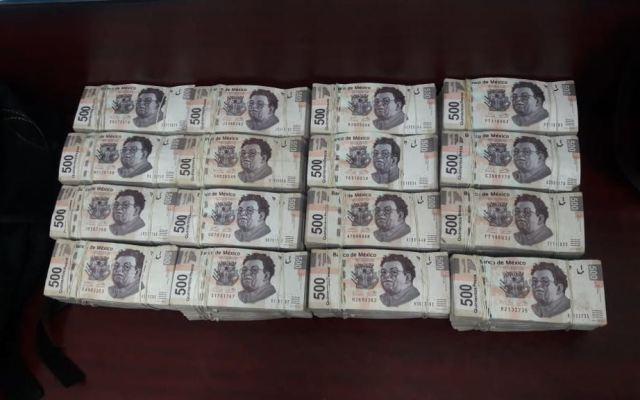 Detienen a 3 con casi 4 millones de pesos en efectivo en el Centro Histórico - Foto de PGR