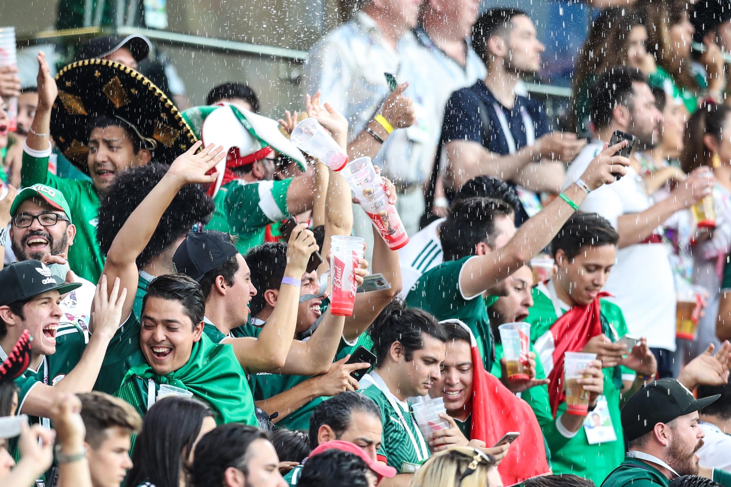 FIFA vuelve a multar a México por conducta de aficionados