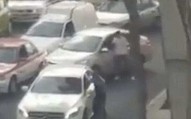 #Video Ladrones asaltan automovilistas cerca del Metro Observatorio - Foto de Internet