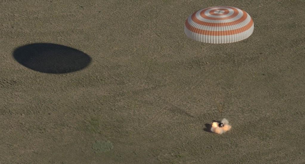 Astronautas regresan a la tierra con balón para el Mundial de Rusia - Foto de EEI