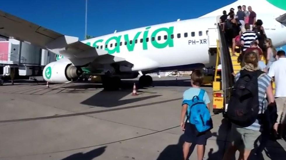 Vuelo aterriza de emergencia por olor de pasajero - Foto de CEN