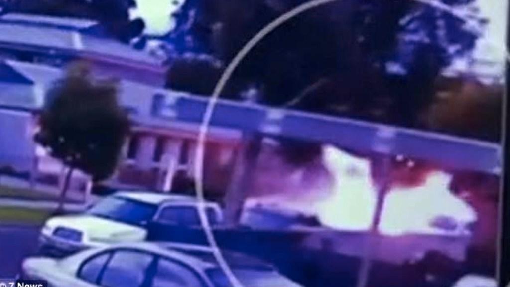 #Video Piloto esquiva viviendas antes de estrellarse - Foto de 7 News