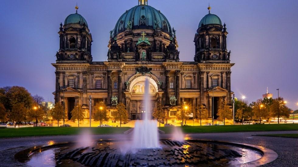 Policía dispara contra hombre en la Catedral de Berlín - Foto de internet
