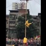 #Video Acróbata cae en pleno acto circense