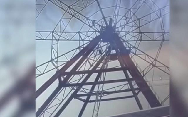 #Video Hombre cae más de 50 metros de rueda de la fortuna - Foto de Internet