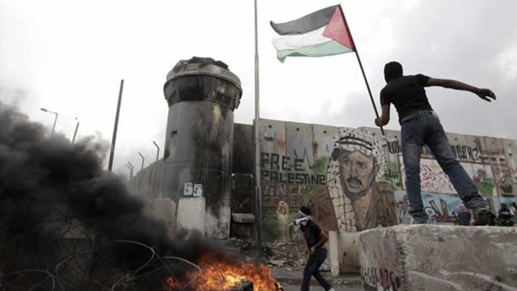 Enfrentamiento entre israelíes y palestinos dejan 44 heridos - Foto de Internet
