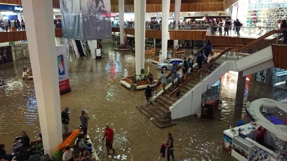 Inundaciones en Guadalajara dejan múltiples daños materiales - Foto de @_OscarAugusto