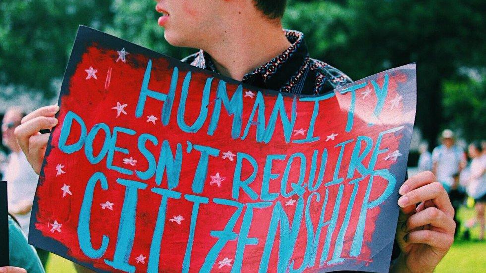 Marchan contra política migratoria en EE.UU. - Foto de @felicipee
